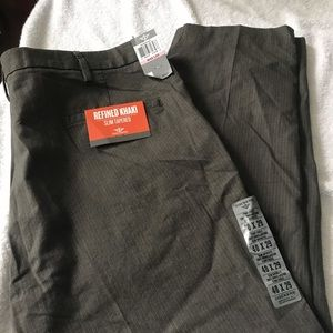 New mens dockers khaki size 40x29